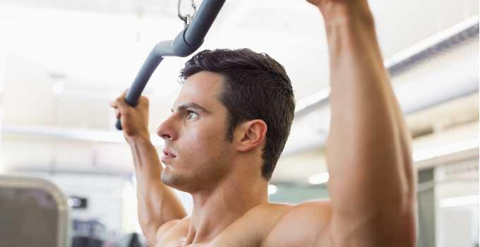 News-FIT624-Bergamo-allenamento-dorsali-lat-machine